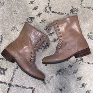 Like new leather walker lace up ankle combat boots